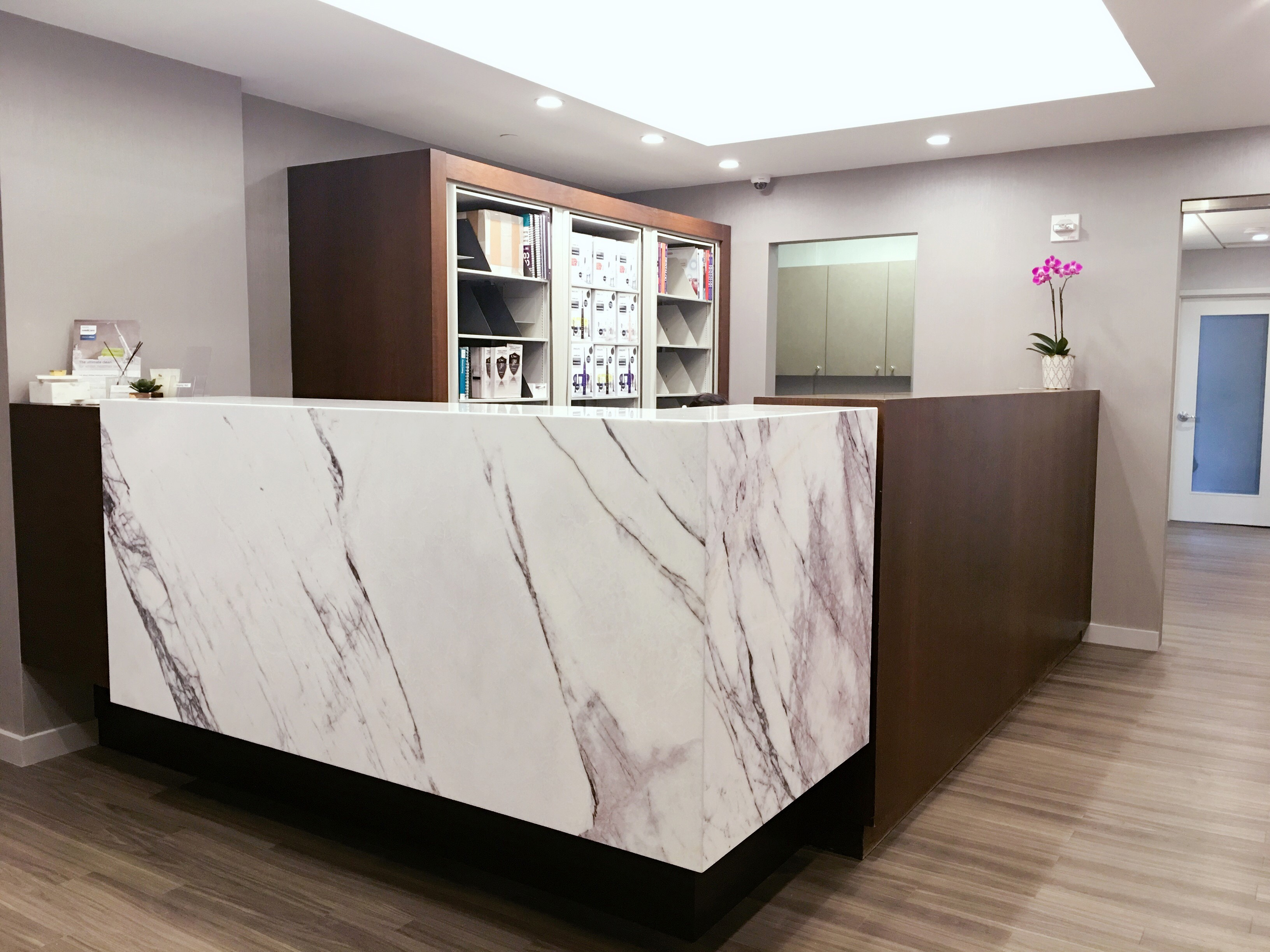 modern doctors office. Doctor\u0027s Office Also Available. Image 1 Modern Doctors