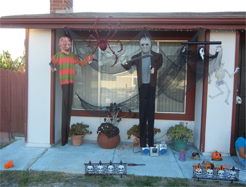 Freddy and Jason, the ORIGINAL Salem Haunts decoration