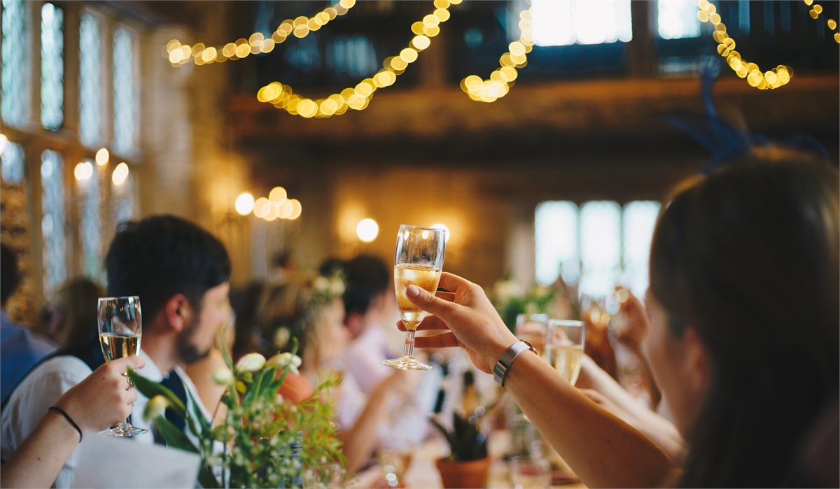7 Steps to Set and Follow a Wedding Budget