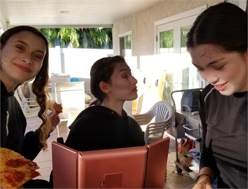 The girls putting on their final make up