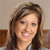 Michelle StahlPartner, Vice President of Operations, CFSOffice Manager, RJFS