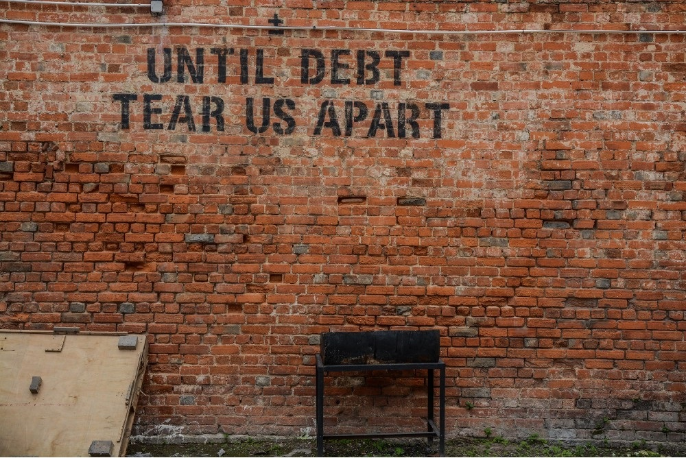 Ways Debt Can Hurt You