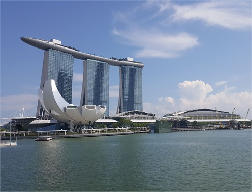<em>#BlueLake</em>&#160;traveling all throughout Singapore