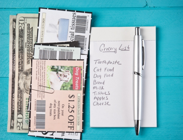 The 12 Steps to Living Confidently: How to Cut Your Expenses